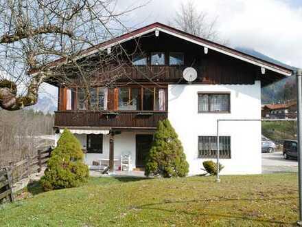 Solides Mehrfamilienhaus mit 6 Wohneinheiten im schönen Bischofswiesen