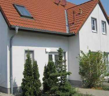 Doppelhaushälfte mit Garage, in ruhiger Gegend in Beucha, mit allem was das Herz begehrt!