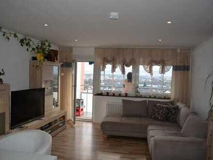 TOLLER AUSBLICK INKLUSIVE: Gepflegte 3-Zimmer-Wohnung mit Balkon, Einbauküche und Garage