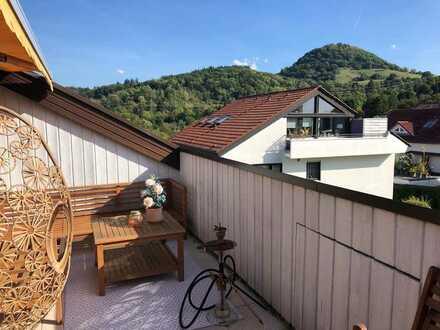 In bevorzugter Wohnlage: 4 Zimmer-Dachgeschosswohnung mit großer Loggia