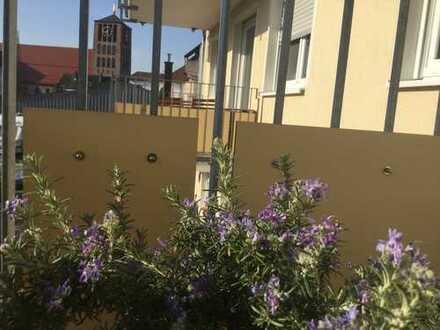 Geschmackvolle Wohnung mit 3 Zimmern sowie Balkon und Einbauküche in Kleinostheim (Neubau)