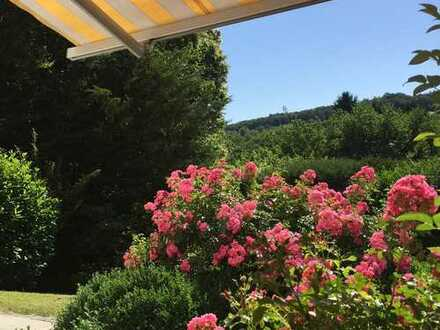 Genießen Sie Wohnen mit Blick ins Grüne! EBK!Terrasse!Garten!2 Stellplätze!