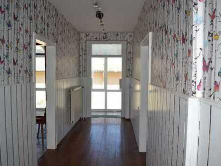 Grosses Haus mit ehemaliger Werkstatt, Scheune und Ställen in Nohen zu verkaufen