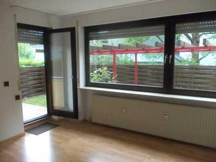 Stilvolle, gepflegte 3,5-Zimmer-Hochparterre-Wohnung mit Balkon und Einbauküche in Waiblingen