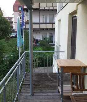 Gemütliche 2,5-Zimmer-Erdgeschosswohnung mit Balkon und Einbauküche in Stuttgart