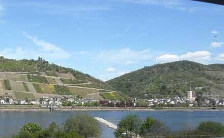 --Charmante 5-Zimmer-Wohnung mit Blick auf den Rhein--