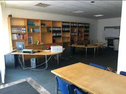 Vollmöbliertes Büro im Erdgeschoss (vorher Architekt/Statiker) mit Küchenzeile