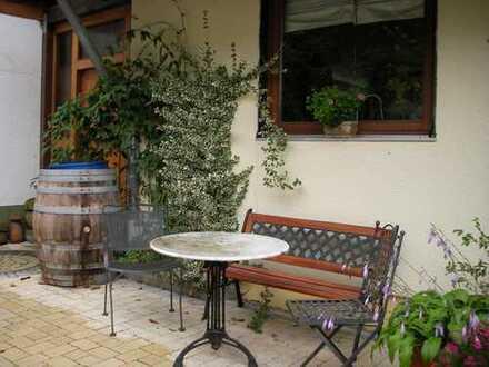2 Zimmer mit Balkon und eigenem Bad in 2er WG mit Garten