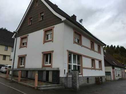 Büroetage in einem kleinen Wohn.- und Geschäftshaus