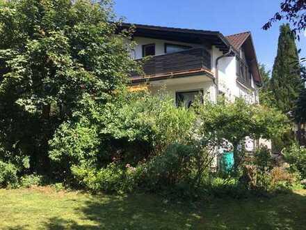 Schönes Mehrgenerationenhaus mit sechs Zimmern in Offenbach am Main, Tempelsee