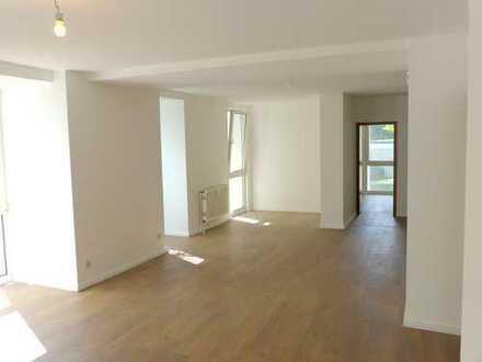 Das besondere Büro gesucht? Gute Lage Nähe VW, 1. OG, ca. 150 m², Miete mtl. 1.000,- zzgl. NK/MwSt.