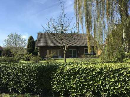 Renoviertes Wohnhaus mit Garten in Toplage in Westerstede