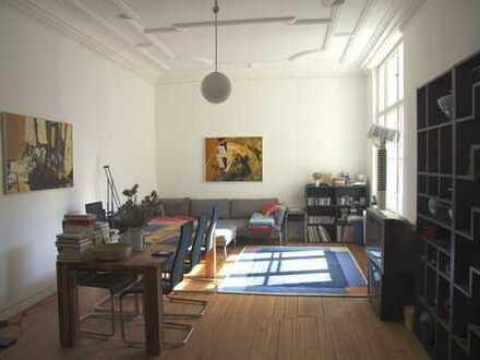 Großes möbliertes Zimmer in schöner Altbauwohnung in Friedenau
