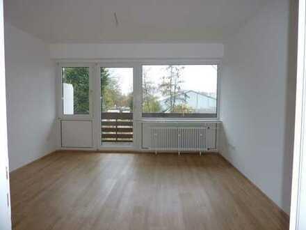 """Sanierte """"Ü-50-Wohnung"""" mit Balkon und ebenerdiger Dusche (oder Wanne) im 1.OG ! Garage möglich !"""