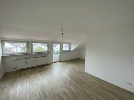Schöne 4-Zimmer- DG Wohnung - Erstbezug nach Sanierung in Mörfelden