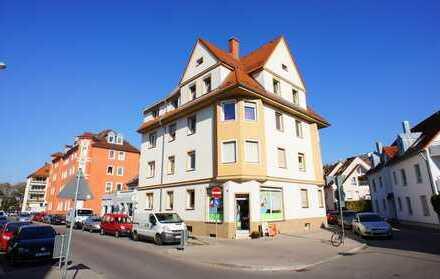 Schöne helle 2 Zimmer Altbauwohnung sehr zentral gelegen in Augsburg/Pfersee