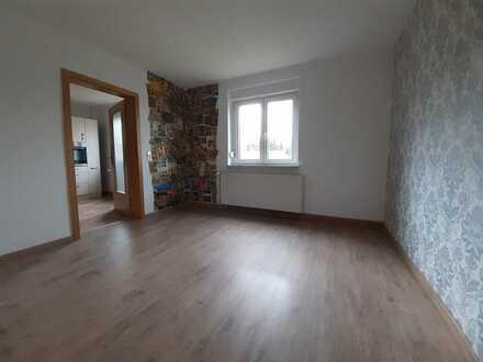 Sanierte Erdgeschosswohnung mit Einbauküche in Lunzenau/Berthelsdorf!