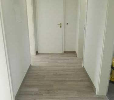 Erstbezug nach Sanierung mit Balkon: ansprechende 2-Zimmer-Wohnung in Gersthofen