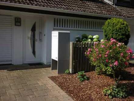 Schönes, geräumiges Haus mit fünf Zimmern in Leverkusen, Rheindorf