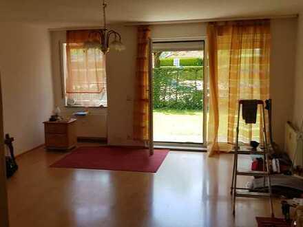 gepflegte 1-Zimmer-EG-Wohnung mit kl. EBK, Terasse, Gartenanteil in Ingolstadt