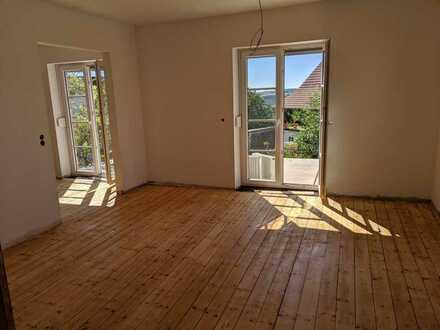 Erstbezug nach Sanierung mit EBK und Balkon: schöne 4-Zimmer-Wohnung in Herschberg