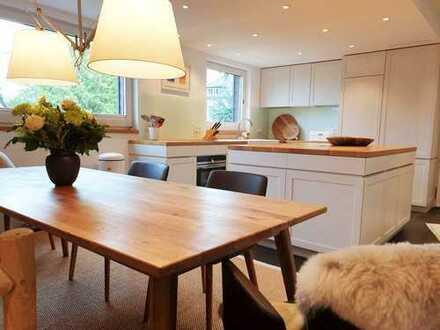 Moderne Maisonette-Wohnung mit Balkon und Kamin in Essen-Bredeney