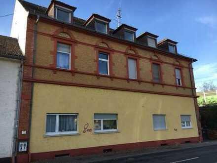 In Kürze freiwerdend! Renovierte Altbau-Wohnung mit hohen Decken in Edingen-Neckarhausen