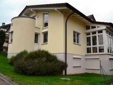 Traumhafte Dachstudiowohnung mit zwei Balkonen