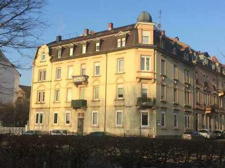 Große, helle 4-Zimmer-Wohnung in Baden-Baden