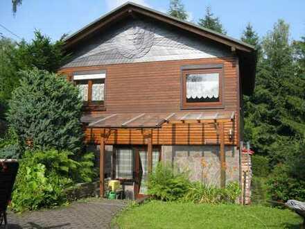 Schönes Ferienhaus mit vier Zimmern in Ilm-Kreis, Herschdorf