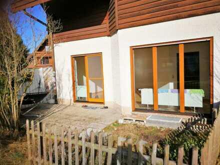 Stilvolle, vollständig renovierte 2-Zimmer-EG-Wohnung mit Einbauküche in Kempten (Allgäu)