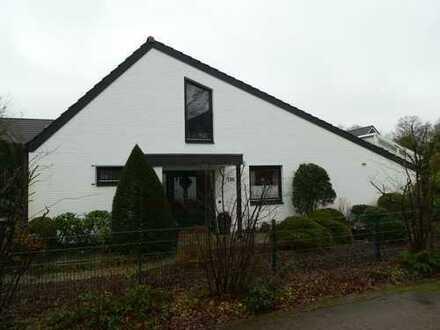 Freistehendes Einfamilienhaus im Herzen von Oberneuland | ohne zusätzliche Maklerprovision