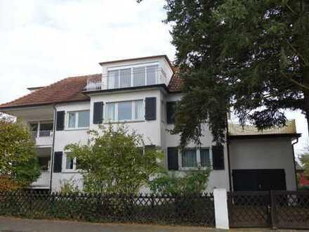 ***Familie und Business im Einklang: Großzügige Stadtvilla in Dreieich-Sprendlingen***