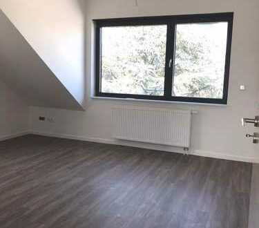 Sanierte 3-Zimmer-Dachgeschosswohnung in Fechenheim!