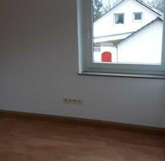 Erschwingliche und vollständig renovierte 4-Zimmer-DG-Wohnung in Bad Laasphe