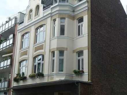 Renovierte 2 Zi & Bad Altbauwohnung in zentraler Lage Opladen