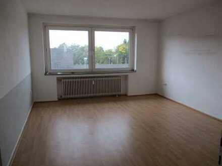 Moers- Grenze Homberg schöne Wohnung im Dachgeschoß