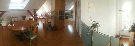 Schöne zwei Zimmer Wohnung befristet für ein Jahr in Frankfurt am Main, Nied