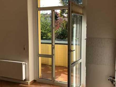 Wunderschöne 3-Zimmer-Altbauwohnung in ruhiger Lage für 3er WG o. Familie
