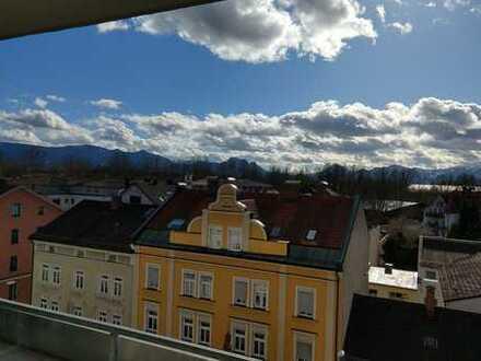 Sonnige 2-Zi-Wohnung im 5. OG mit Bergblick in zentraler Lage