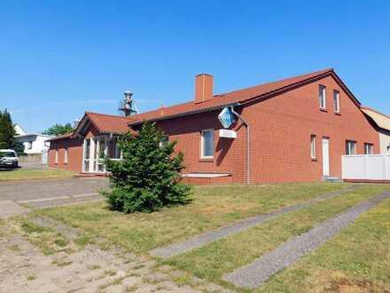 Standort mit Hallen & Büros an A24 in Marnitz