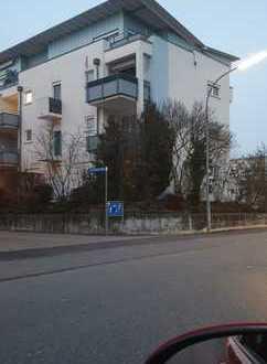 Schöne drei Zimmer Wohnung in Alb-Donau-Kreis, Ehingen (Donau) in sehr guter Hausgemeinschaft.