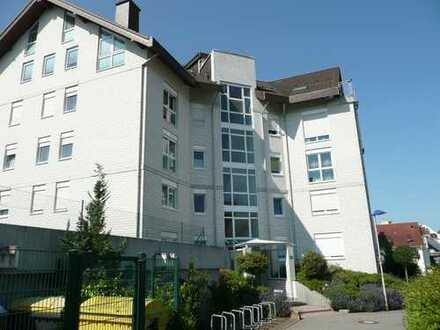 Sehr schöne und helle 3 Zimmerwohnung mit Balkon - von privat