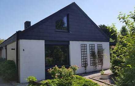 Schönes, geräumiges Architekten-Haus für Garten-Liebhaber, ruhig gelegen