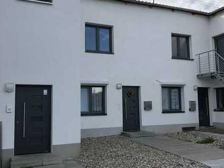 Geräumige, vollständig renovierte 2-Zimmer-Wohnung mit gehobener Innenausstattung in Sankt Wendel