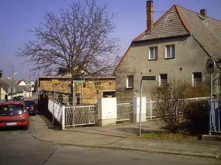 Einfamilienhaus bis kleiner Bauernhof in Pretzsch