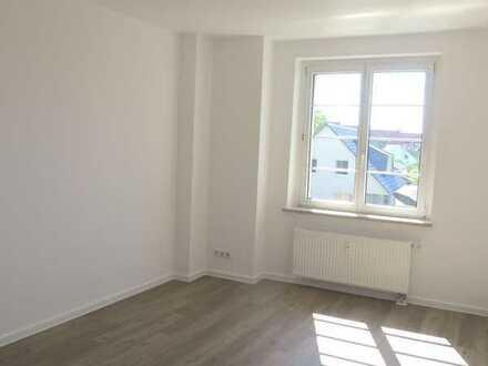 Schöne und sonnige 3-Raum-Wohnung in Möckern. 1. OG. Wannenbad.