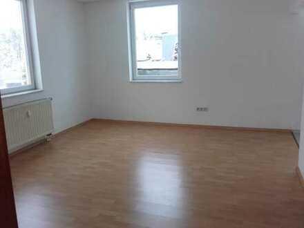 SCHNÄPPCHEN * 3 € pro m² * viel Wohnfläche zum günstigen Preis * großzügige 2-Raum-Wohnung