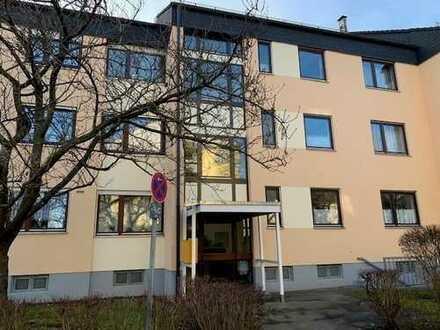 Ruhige, großzügige 3-Zimmer-Wohnung in schöner Ortsrandlage von Stadtbergen