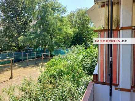IMMOBERLIN. DE - Adrette Wohnung mit Balkon & Pkw-Stellplatz in Wald- & Seenähe